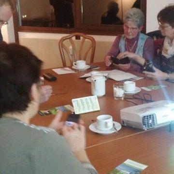 Erster Smartphonekurs stieß bei den Teilnehmerinnen und Teilnehmern auf großes Interesse